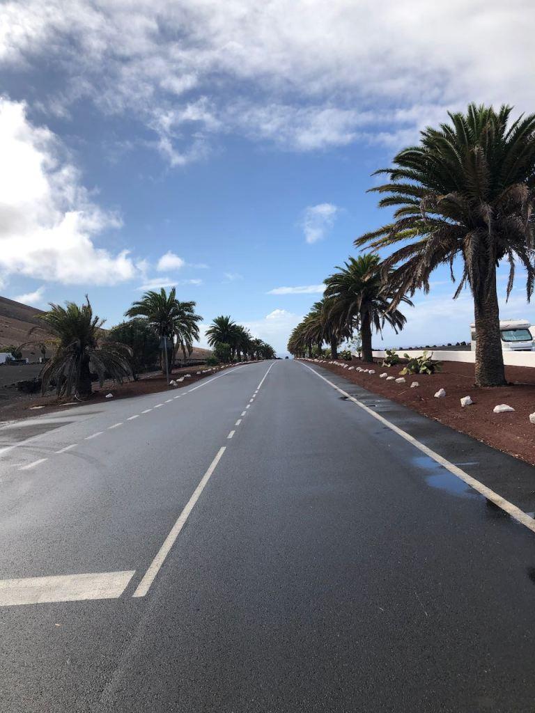 a long street somewhere close to Yaiza